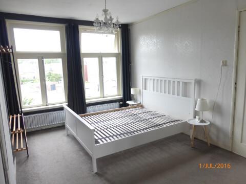 http://www.huurwoninggroningen.nl/img/grote-slaapkamer.JPG?w=480&h=360&fit=crop